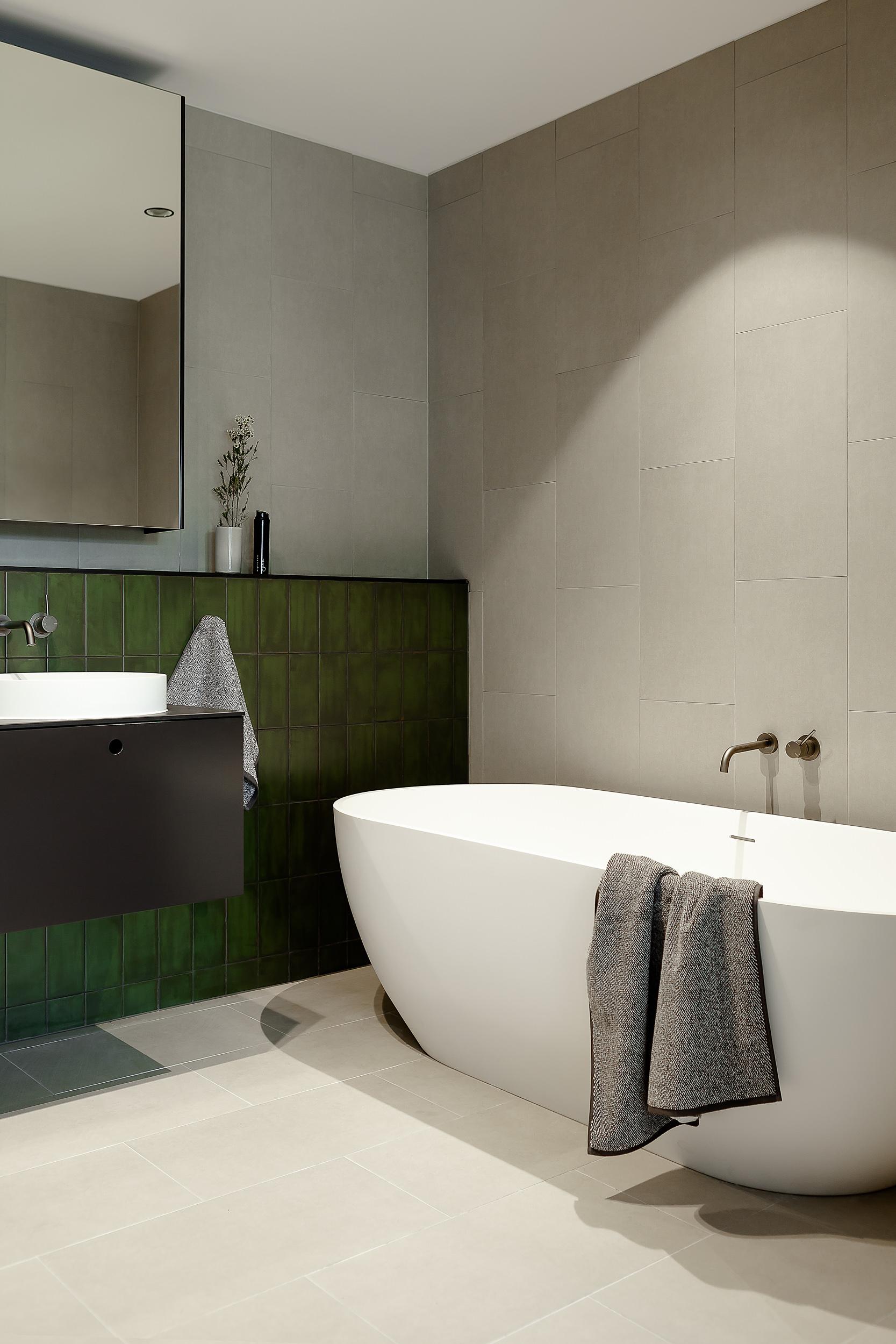 Brompton residential construction bathroom bath